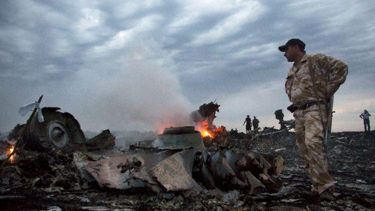 [VIDEO] TV rusa difunde imágenes del MH17 caído en Ucrania