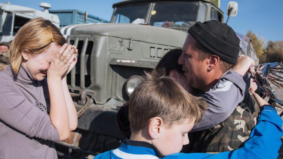 Crisis en Ucrania: Soldados rusos regresan a casa por orden del Kremlin