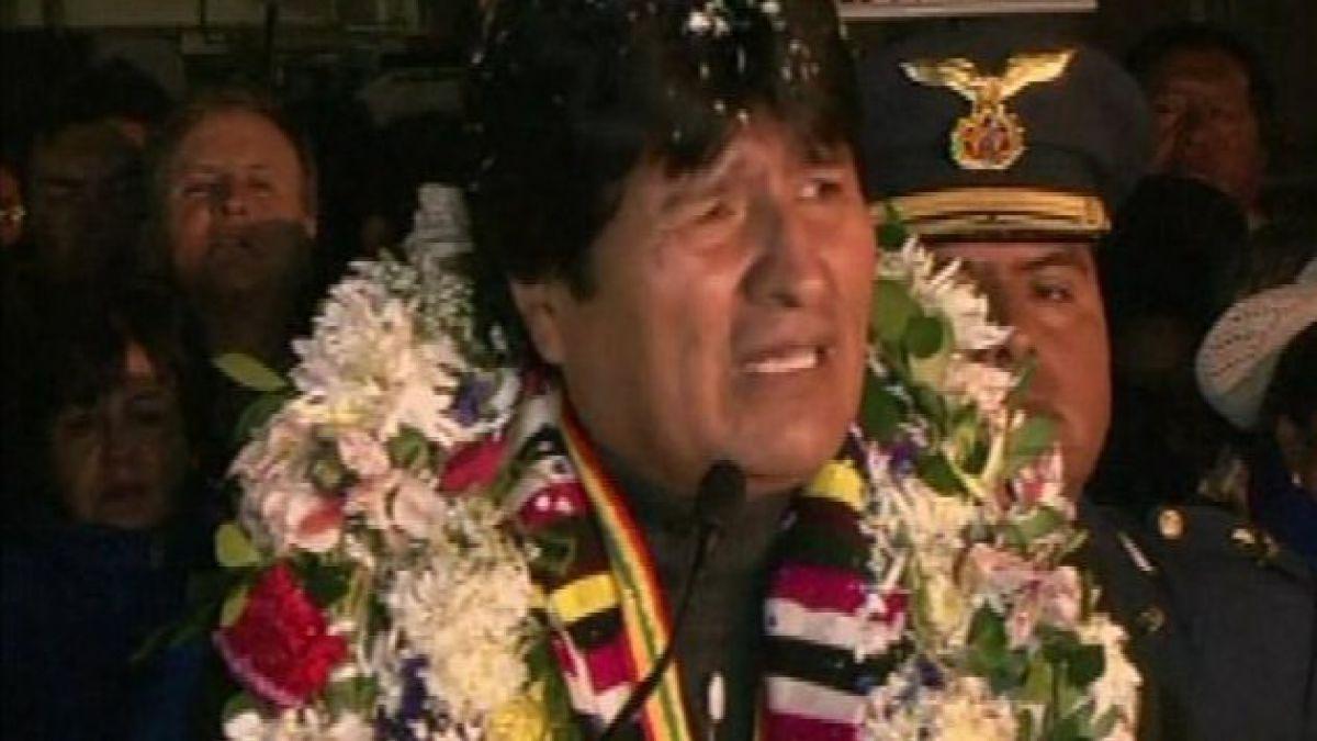 Morales llegó a Bolivia tras escándalo diplomático