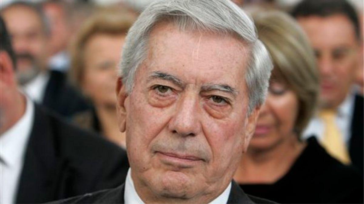 Mario Vargas Llosa donará su biblioteca a la ciudad de Arequipa