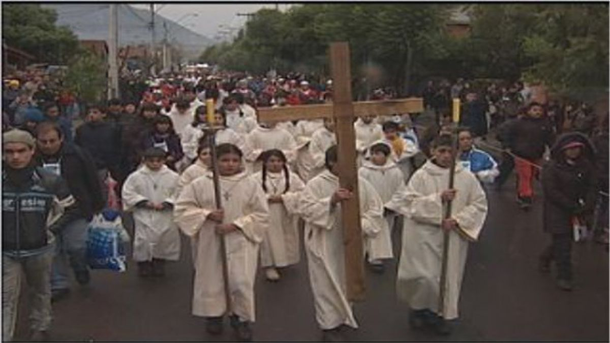 Realizan Vía Crucis en Villa Grimaldi