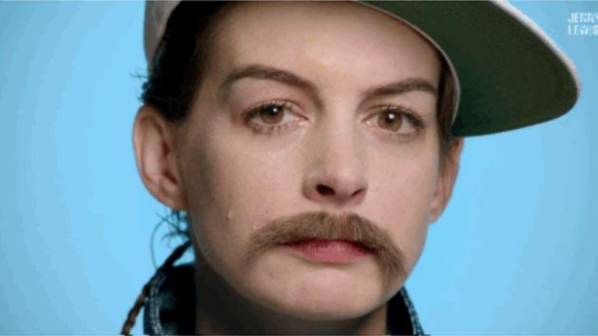 [VIDEO] Anne Hathaway y Kristen Stewart de barba y bigote en lo nuevo de Jenny Lewis