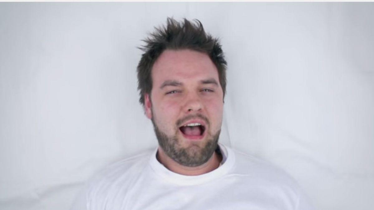 VIDEO: Lanzan novedosa campaña para prevenir el cáncer testicular