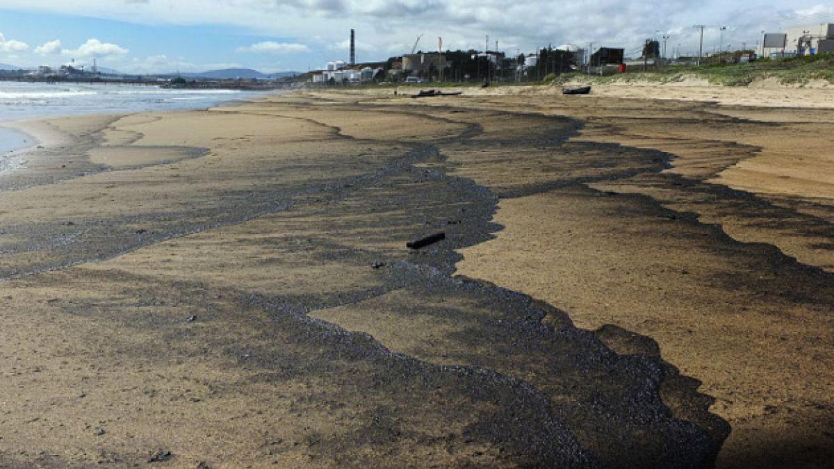 ENAP denuncia participación de otros actores en derrame de petróleo en Quintero