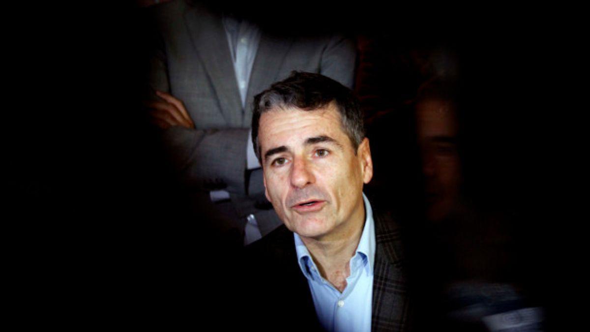 Senador PS emplaza a Andrés Velasco por la licitación entregada por el Injuv a Sebastián Iglesias