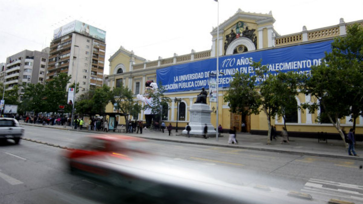 Nuevo rector de la Universidad de Chile se definirá en segunda vuelta
