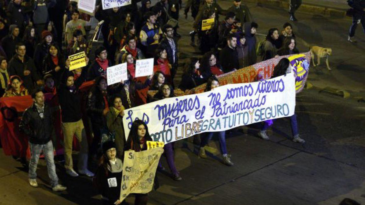 64% en Chile cree que el aborto es moralmente inaceptable y 32% lo considera sobre la homosexualidad