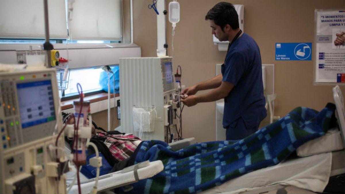 Fonasa condona deudas a más de 14 mil pacientes dializados