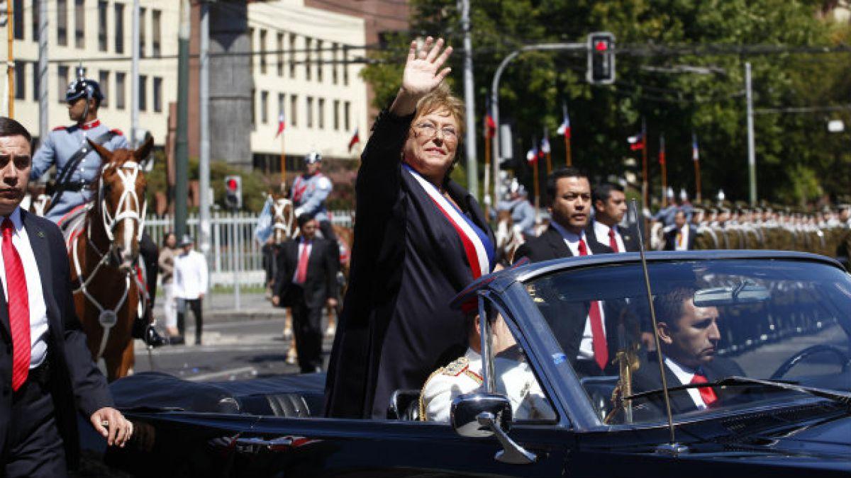 De educación a crisis: los temas que marcaron los primeros discursos de Bachelet