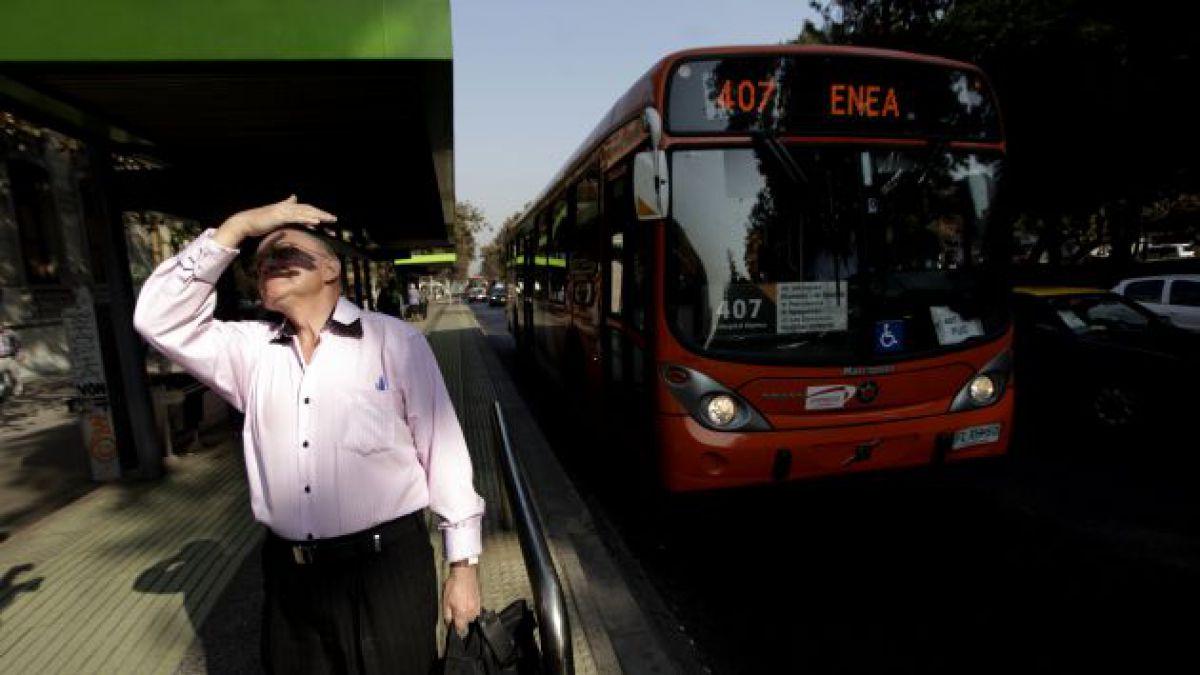 Bachelet anuncia proyecto de mejoramiento de recorridos e infraestructura del Transantiago