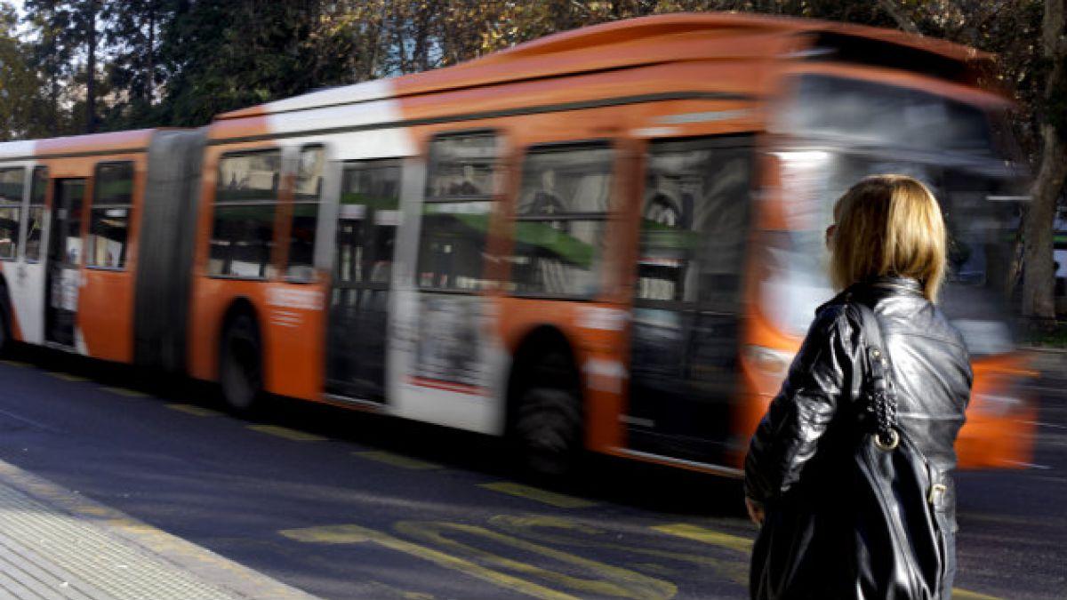 Conoce los cambios y desvíos del transporte público por el partido de Chile con España