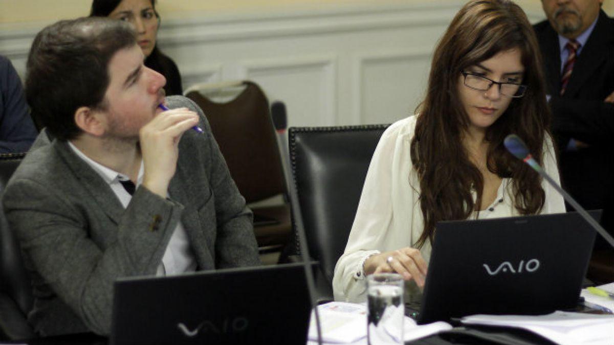 Polemica por abstención de diputados Jackson y Vallejo en creación de comisión investigadora por U.