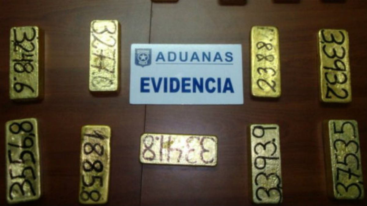 Aduanas decomisa 15 lingotes de oro avaluados en $ 1.400 millones