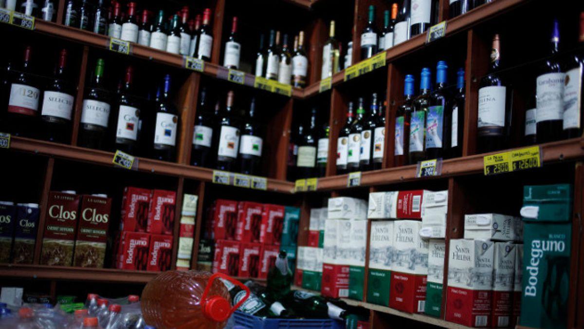 """Providencia asegura que restricción a la venta de alcohol """"no está postergada"""""""