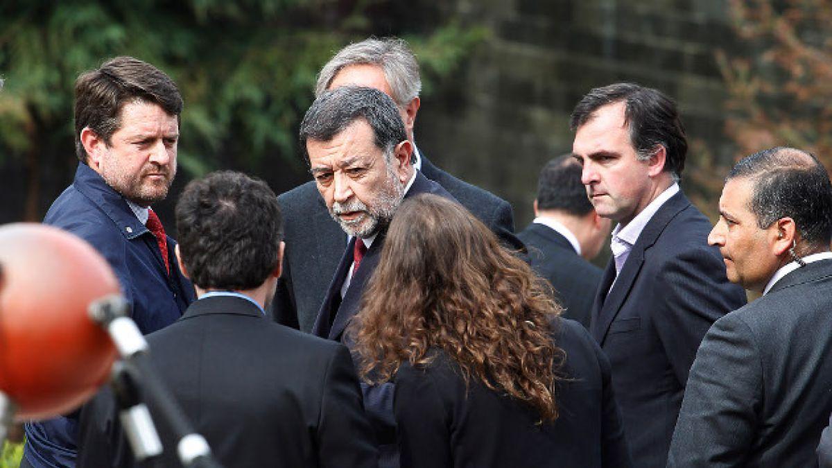 Interpelaciones a Peñailillo y repudio total marcan las reacciones de políticos por el atentado en m
