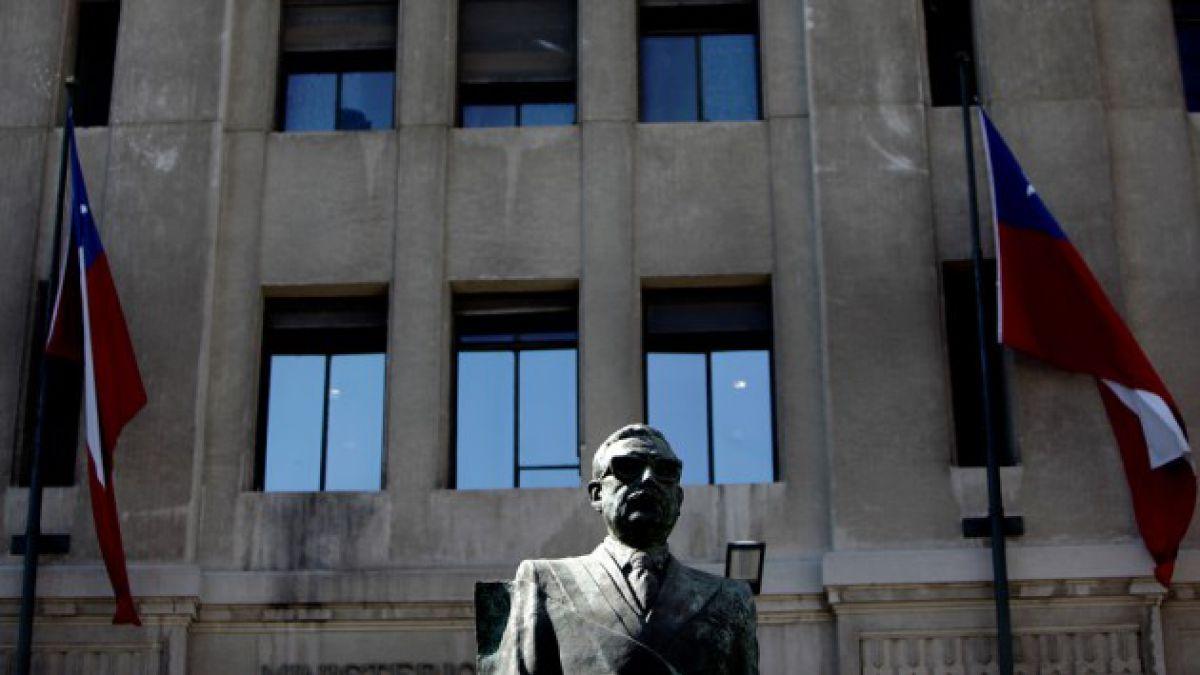 Salvador Allende: Políticos y familiares conmemoran hoy el natalicio 106 del ex Presidente
