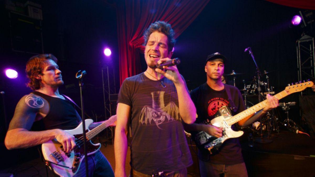 Miembros de Audioslave regresan al escenario tras siete años de su ruptura