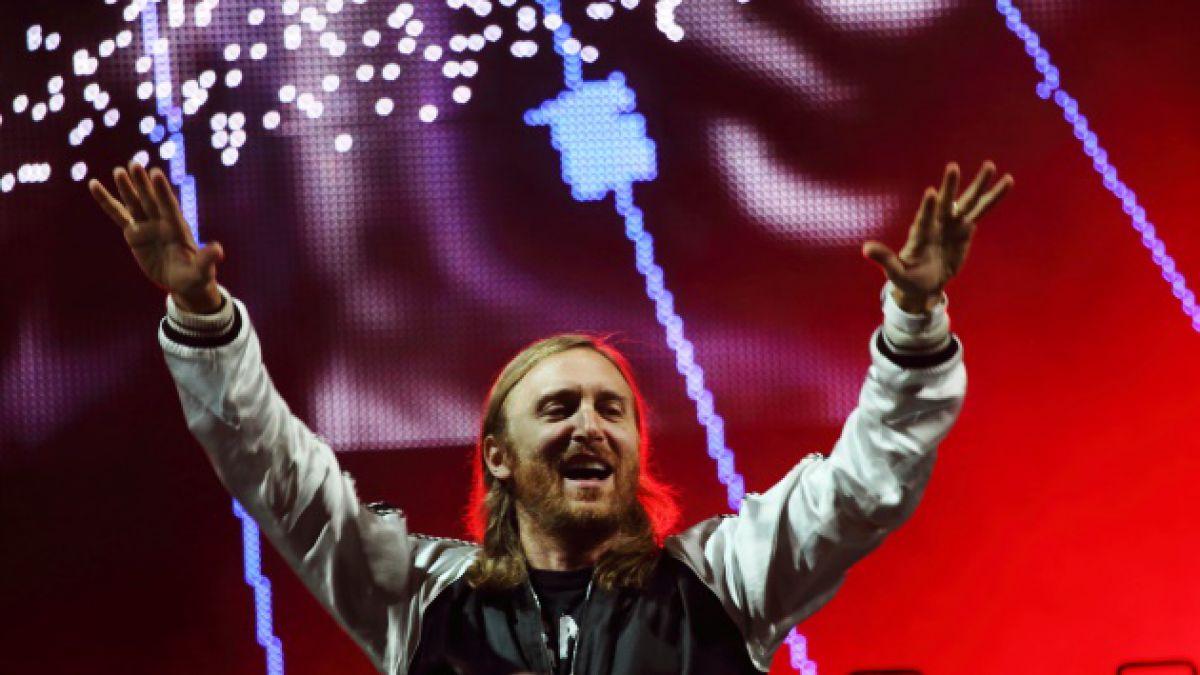 5 impresionantes logros de David Guetta, el DJ que encenderá Creamfields