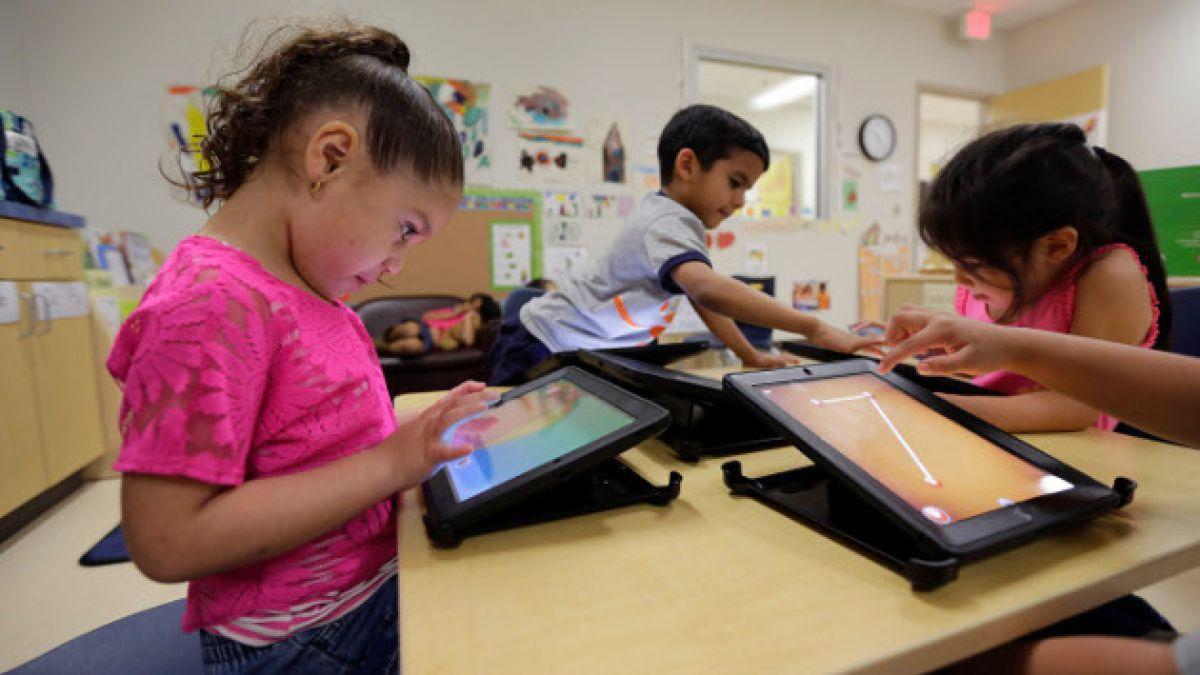 ¿Niñera o herramienta de aprendizaje? Lo que hay que saber antes de entregar una tableta a un niño