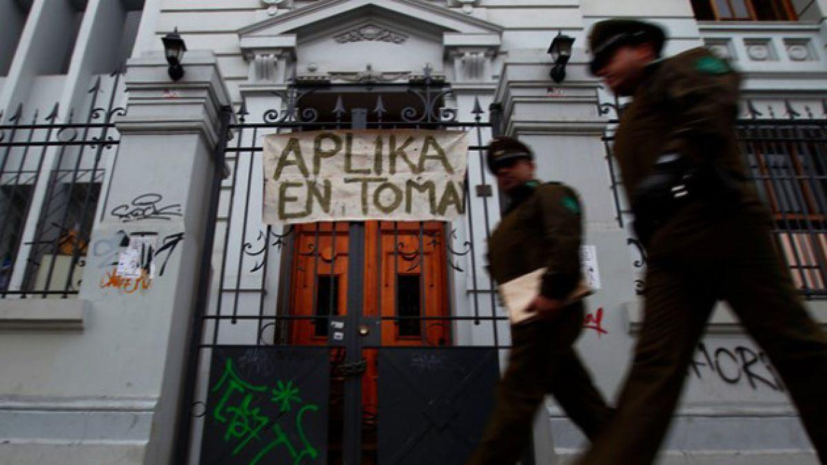 Tomas en Santiago: Apoderados dicen que resolución por Instituto Nacional es revés para el Municipi