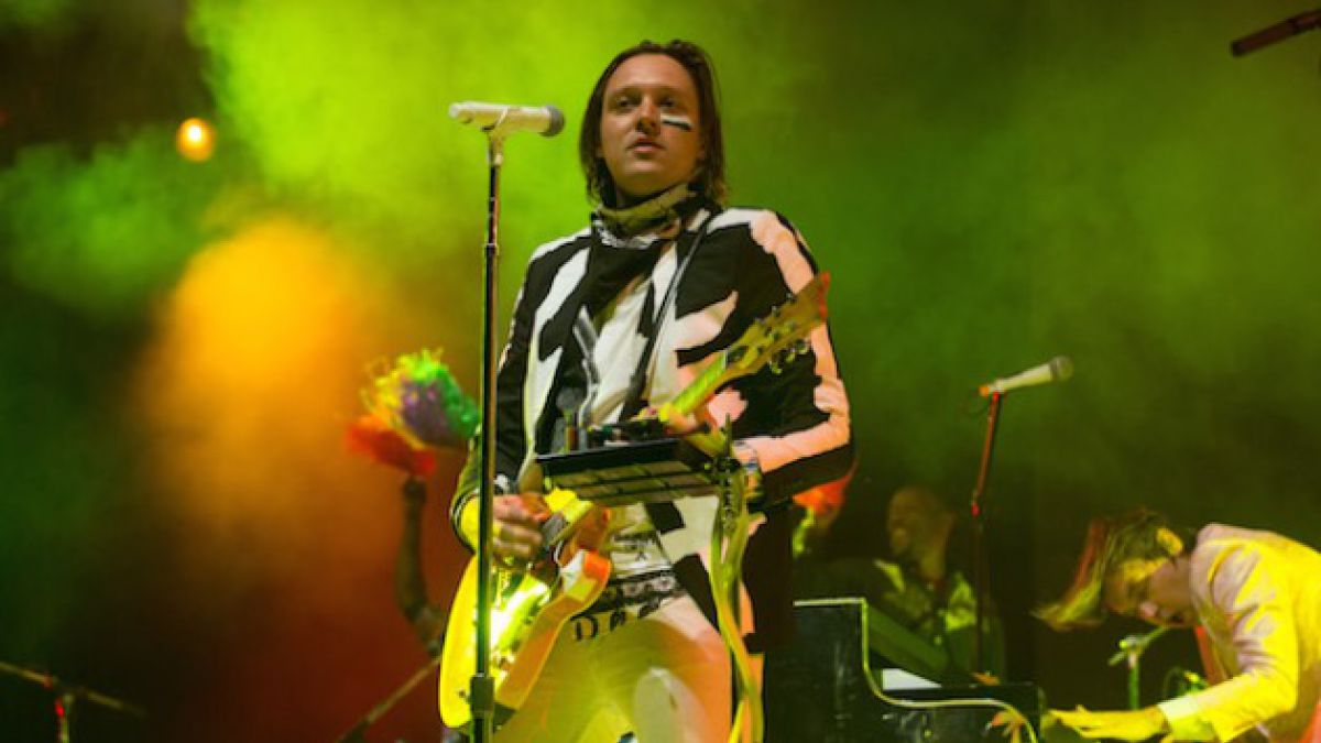 [AUDIO] Arcade Fire rinde tributo a Nirvana a través de un cover de Smells Like Teen Spirit