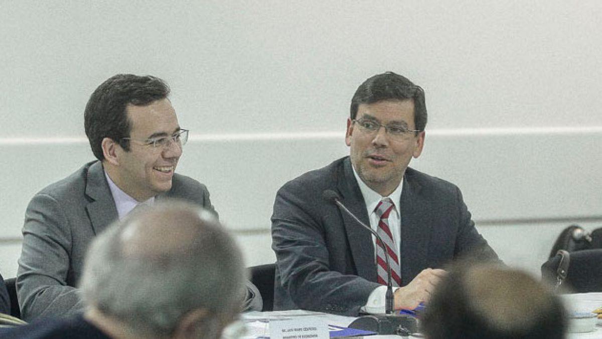 Ministro Arenas destaca la importancia de la inversión extranjera y constituye comisión asesora para