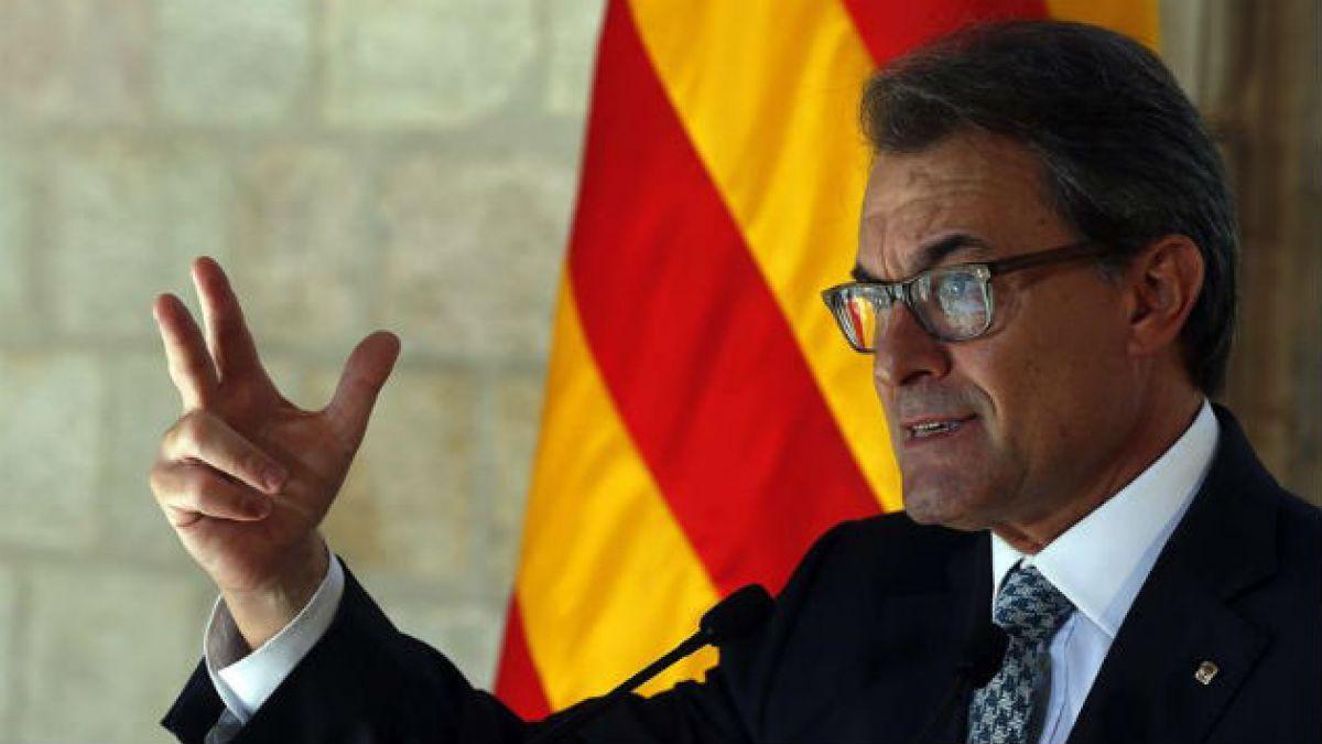 Artur Mas pospone la convocatoria de la consulta a la próxima semana y pide a Rajoy no silenciar C