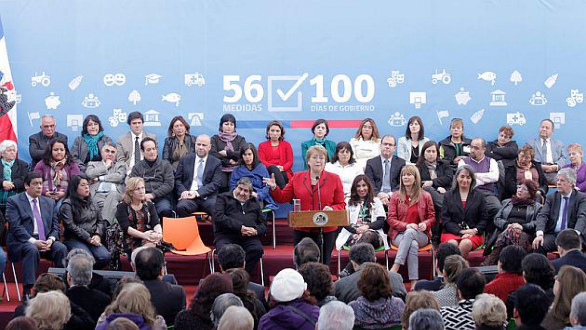 Bachelet presenta plan de inversiones en salud y compromete inversión por US$4.000 millones en cuatr