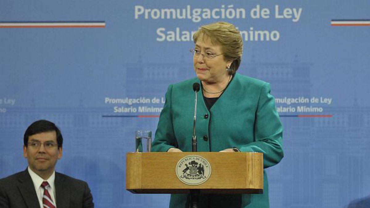 Presidenta Bachelet promulga ley que reajusta el sueldo mínimo a $225 mil este año