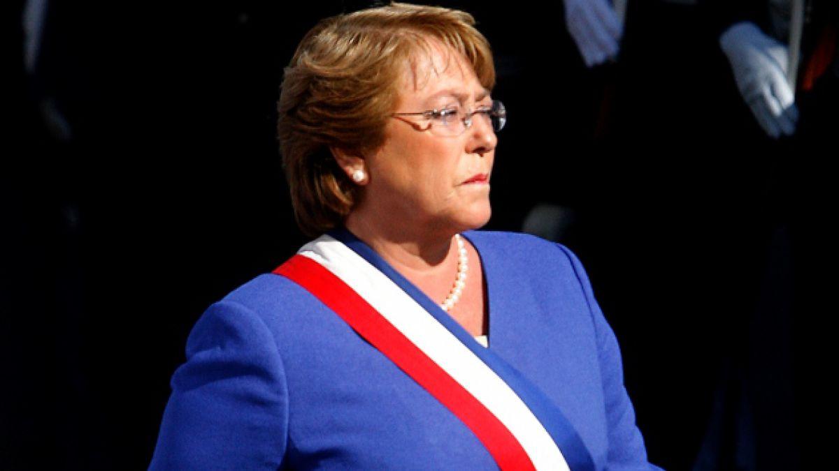 Bachelet por bombazo: No corresponde decir que el terrorismo esté instalado en nuestro país