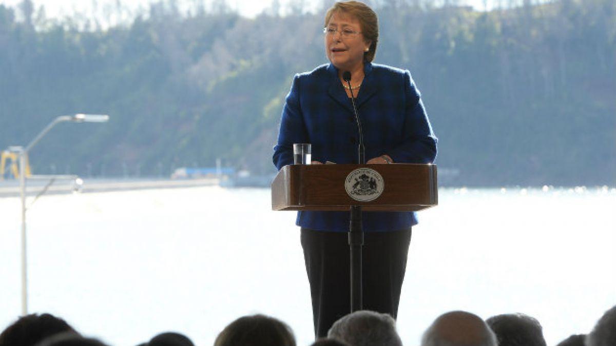 """Bachelet: """"La energía hidroeléctrica está llamada a cumplir un rol importante"""""""