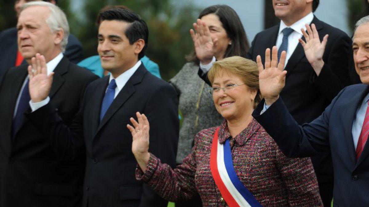 Chadwick dispara a manejo del gobierno y ministros arremeten ante críticas de Piñera