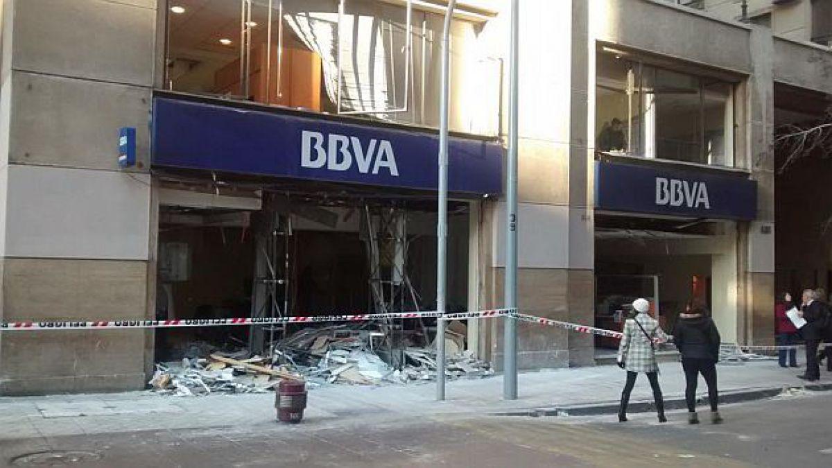 Así quedó sucursal bancaria de BBVA tras bombazo y robo de cajeros