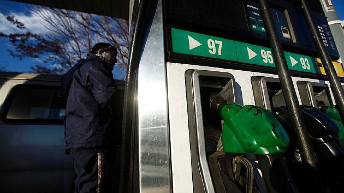 Econsult: Precio promedio de gasolinas bajaría en $14 por litro la próxima semana