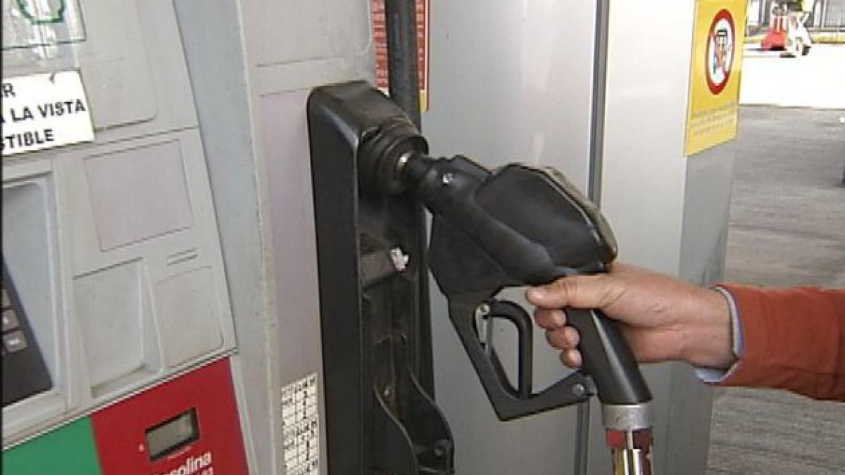 Nueva alza a las bencinas: Suben $ 5,3 por litro desde este jueves