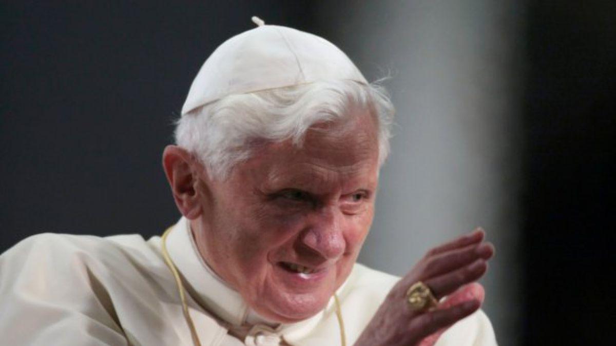Papa Benedicto XVI asistirá a ceremonia de doble canonización en el Vaticano