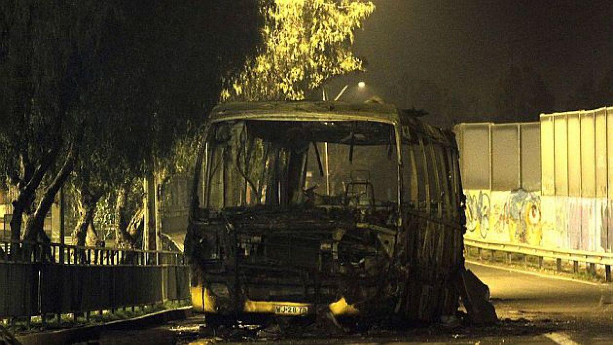 11 de septiembre deja 179 detenidos e intendente Orrego anuncia querellas por bombas molotov y bus q