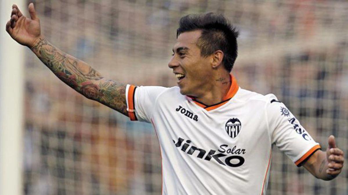 Eduardo Vargas anota su primer gol por el Valencia