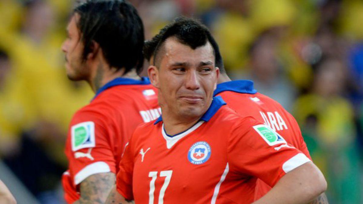 [VIDEO] Todas las caras de Gary Medel en el partido con Brasil