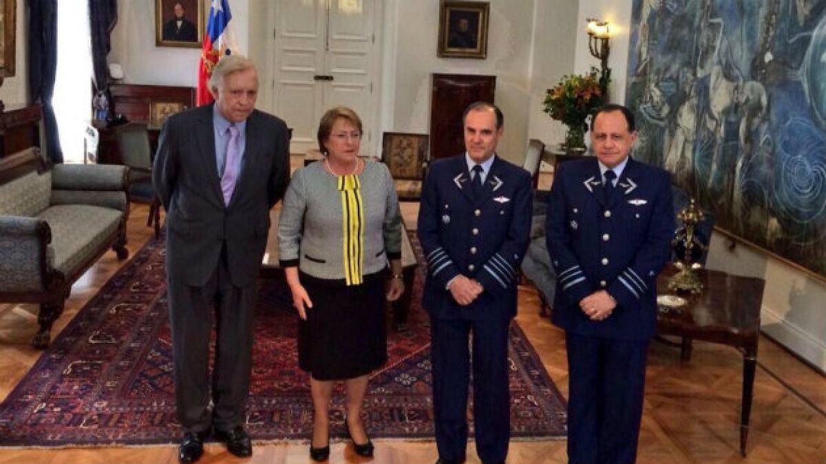 Bachelet designa al general Jorge Robles Mella como Comandante en Jefe de la FACH