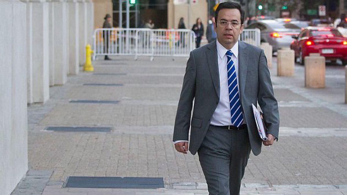 Ministro de Economía dice que capitalización de BancoEstado se realizará este año