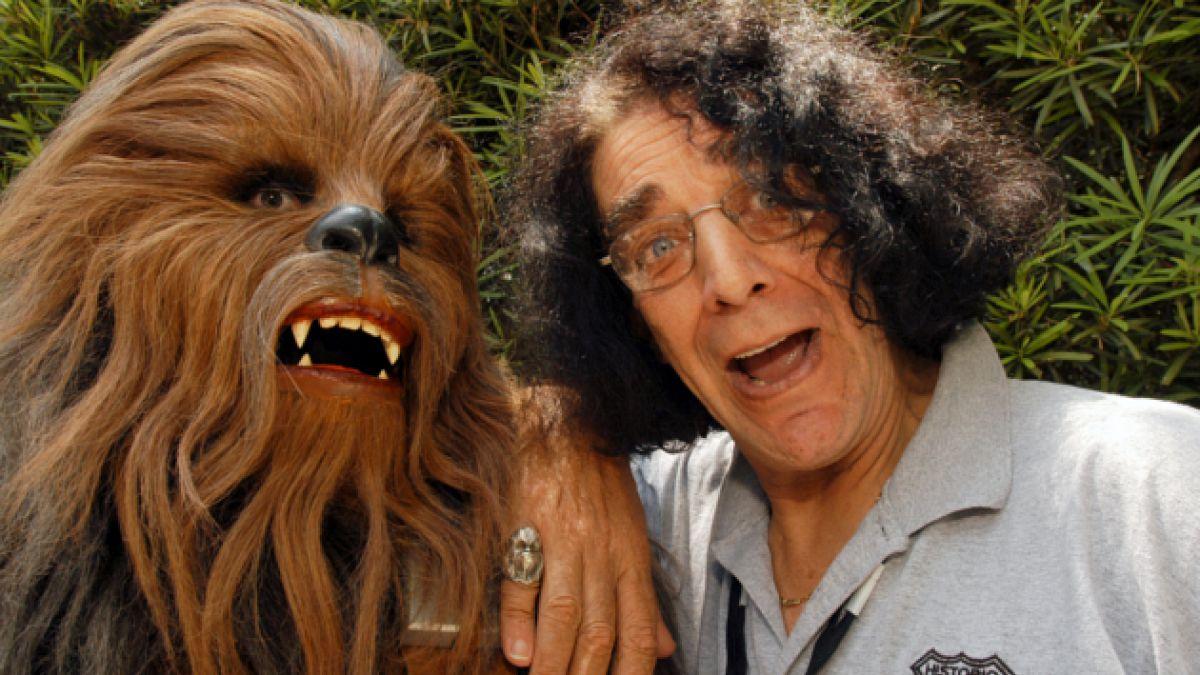 Peter Mayhew volverá a ser Chewbacca en nueva entrega de Star Wars
