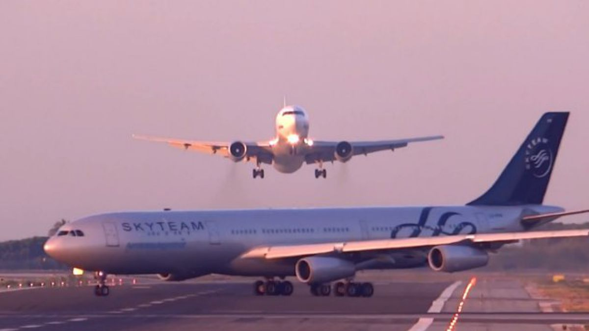 [VIDEO] Dos aviones de Barcelona a metros de chocar entre si