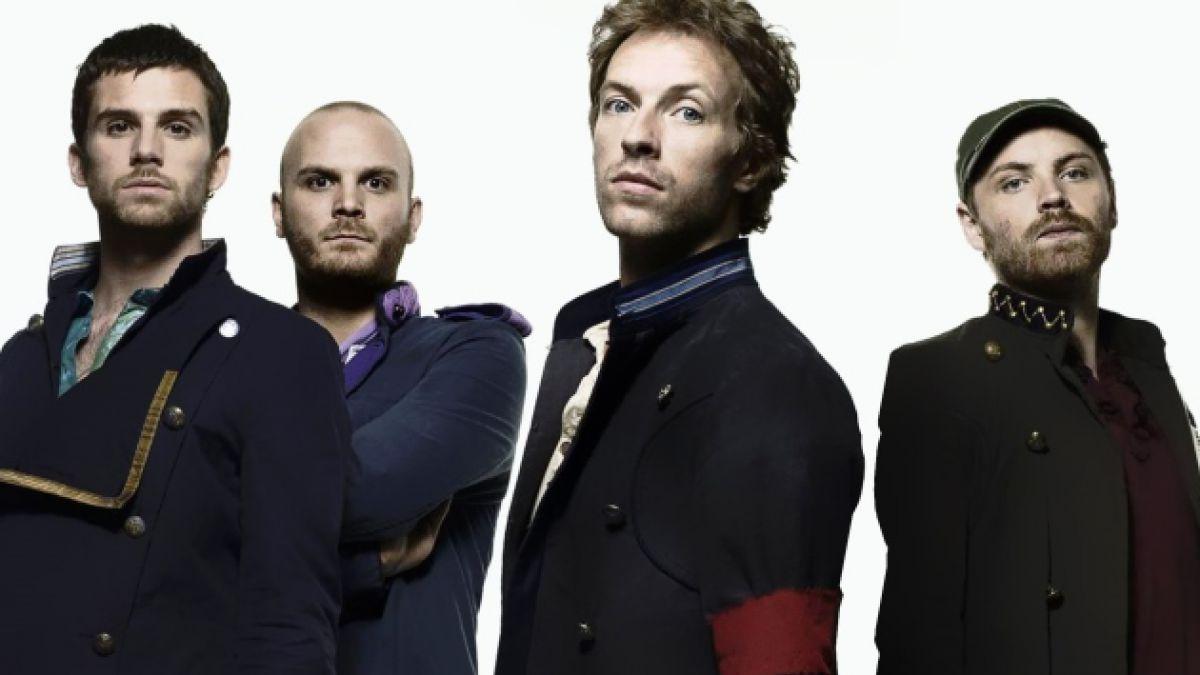Así es True Love, el nuevo videoclip de Coldplay en el que Chris Martin sube de peso