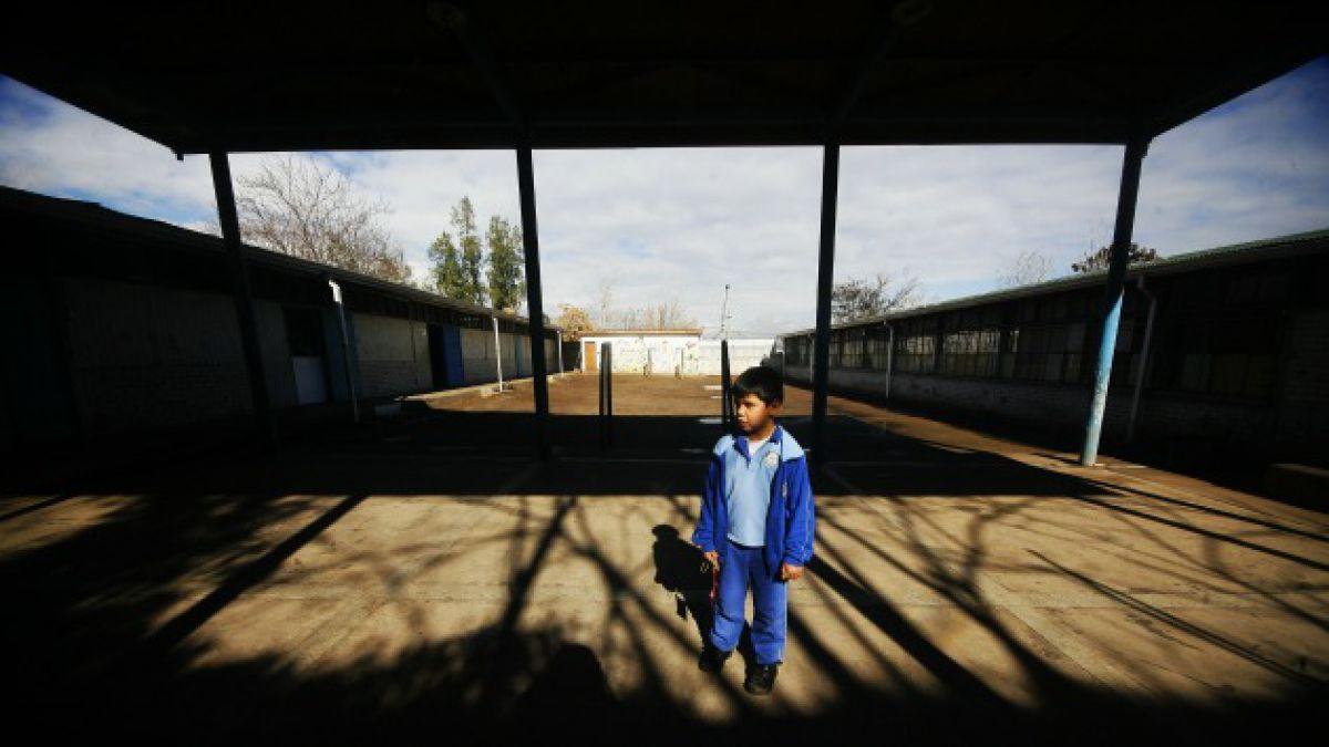 Más de 350 colegios en Chile presentan condiciones deficientes en infraestructura