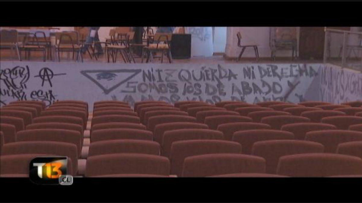 Municipalidad de Santiago presenta querella por daños en Liceo de Aplicación