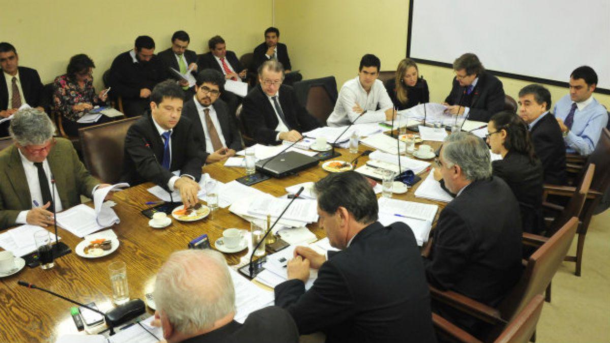 Comisión de Hacienda aprueba proyecto de administrador provisional y pasa a la Cámara de Diputados