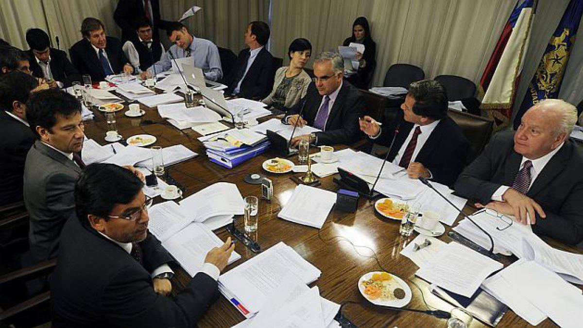 Comisión de Hacienda aprueba fortalecimiento de atribuciones del SII y normas anti elusión y evasión