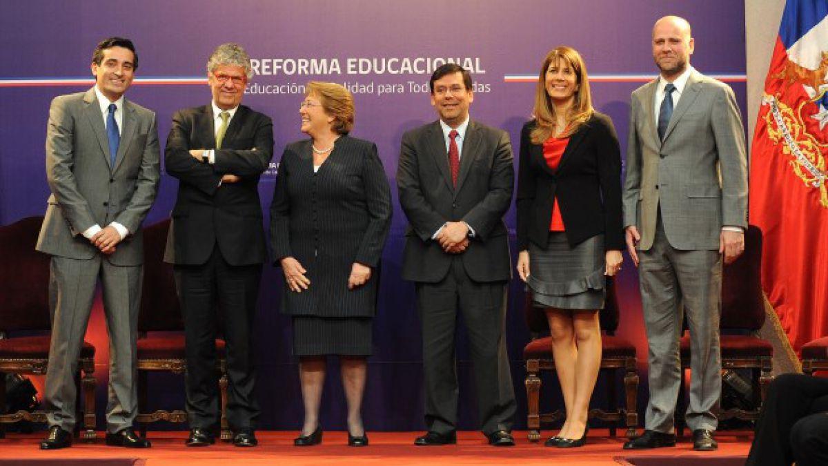 Adimark: Un 34% de los chilenos cree que el gobierno logrará concretar la reforma educacional
