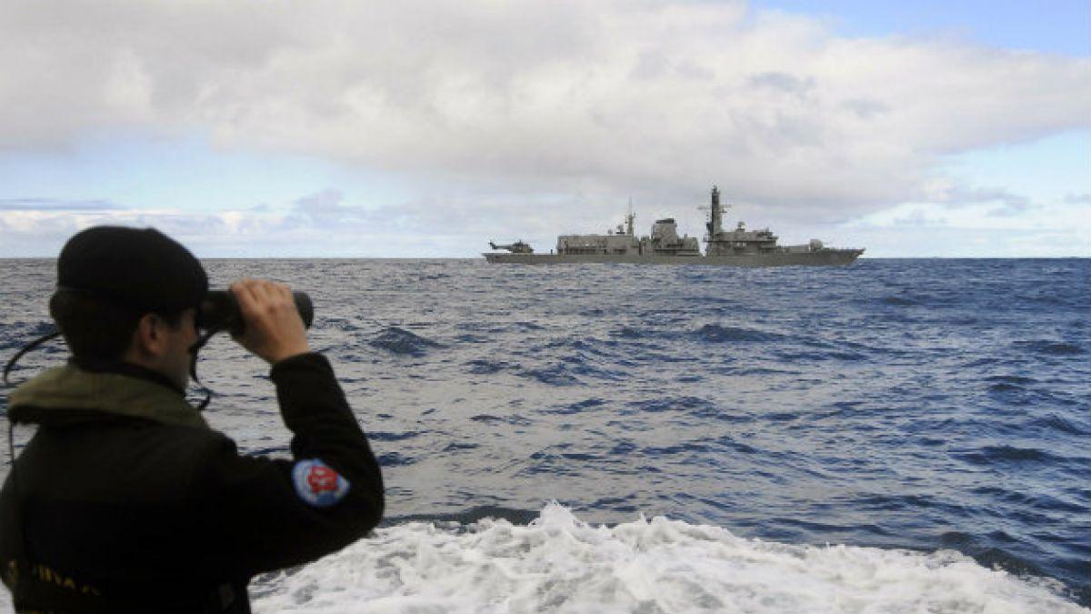 Armada informa sobre colisión entre submarino Carrera y fragata Condell en Valparaíso